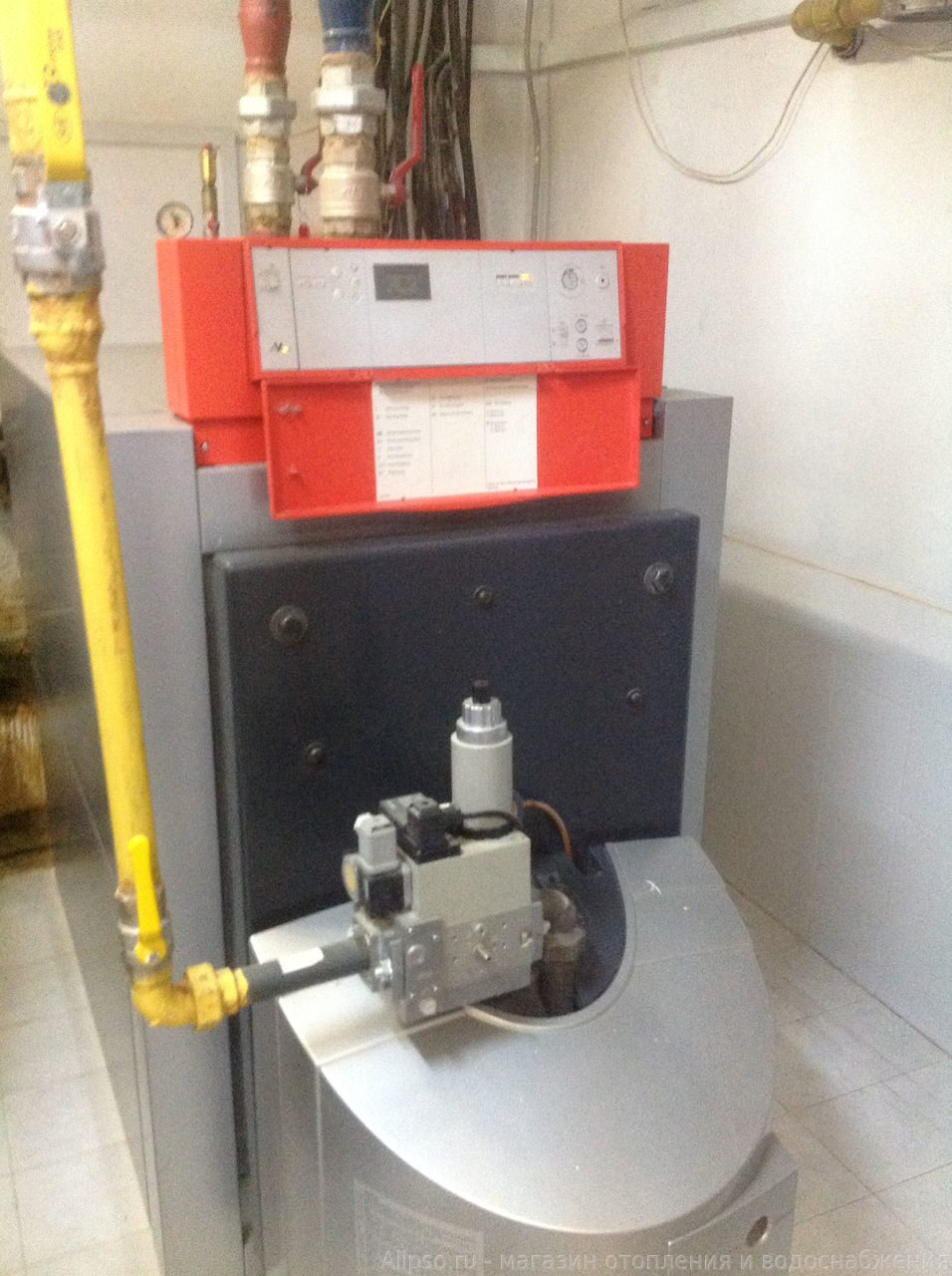 Установка напольного котла Viessmann Vitorond 100 VR2BB24-50 кВт Работа отопление фото. Отопление дома фото. Система отопления ф
